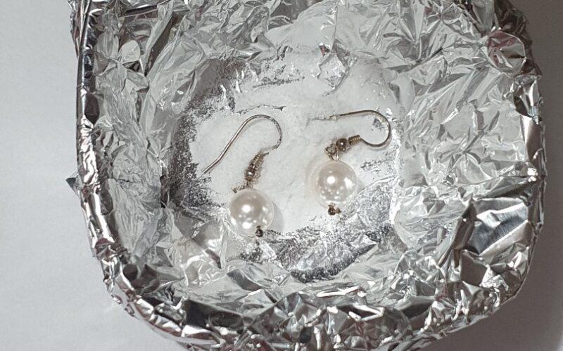 Pași simpli pentru curățarea bijuteriilor din argint